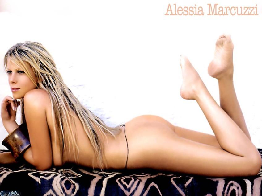 Alessia Mancini Calendario.Alessia Marcuzzi Calendario 4 Grande Fratello 12